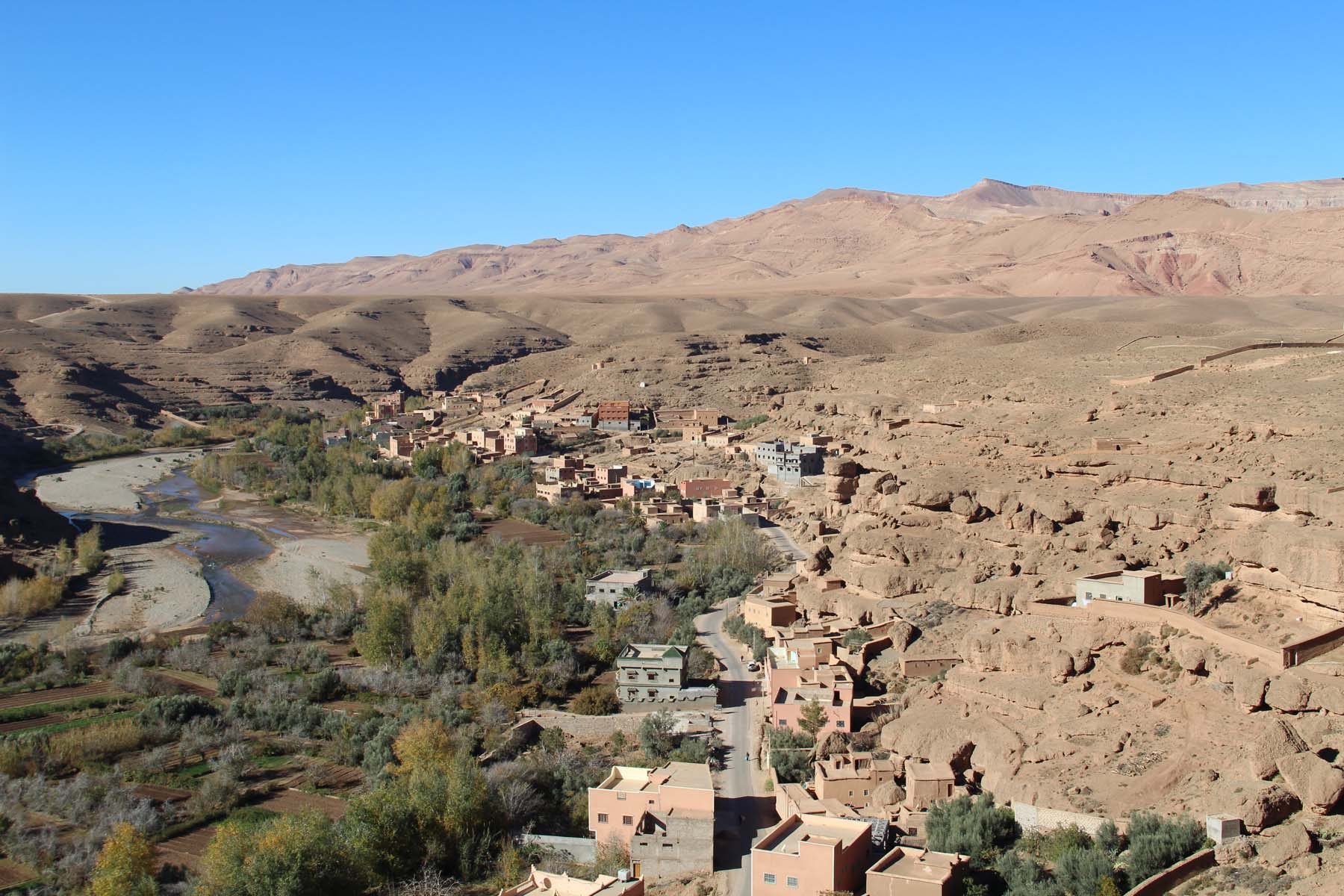 Village and riverbed in the valley of the roses