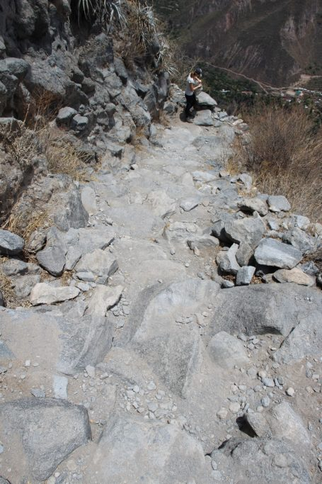 Rocky way down in Colca Canyon