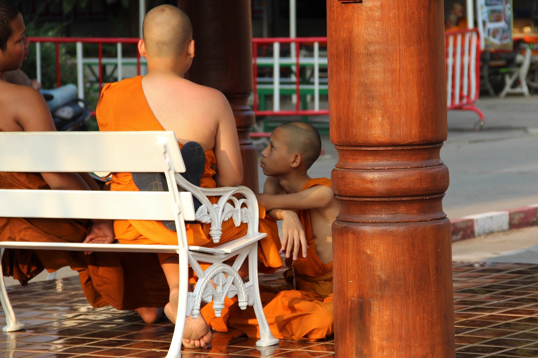 Monks chatting in Chiang Mai Wat Chedi Luang