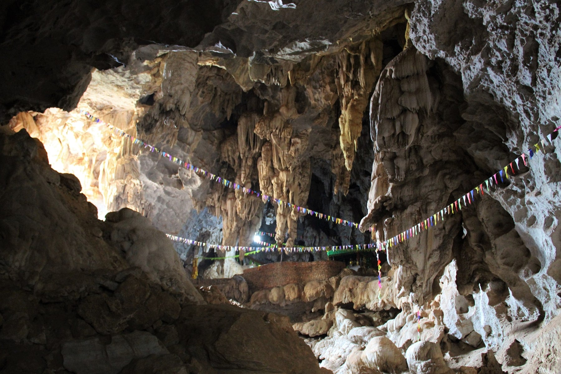 Grotte de Tham Pha Inh circuit de Thakek, Laos