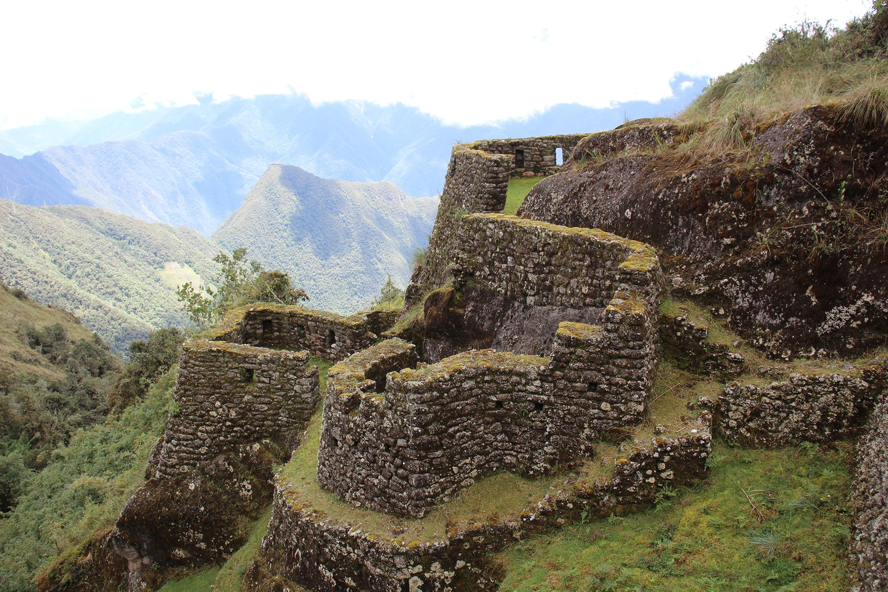 Some buildings of Phuyupatamarka site inca trail