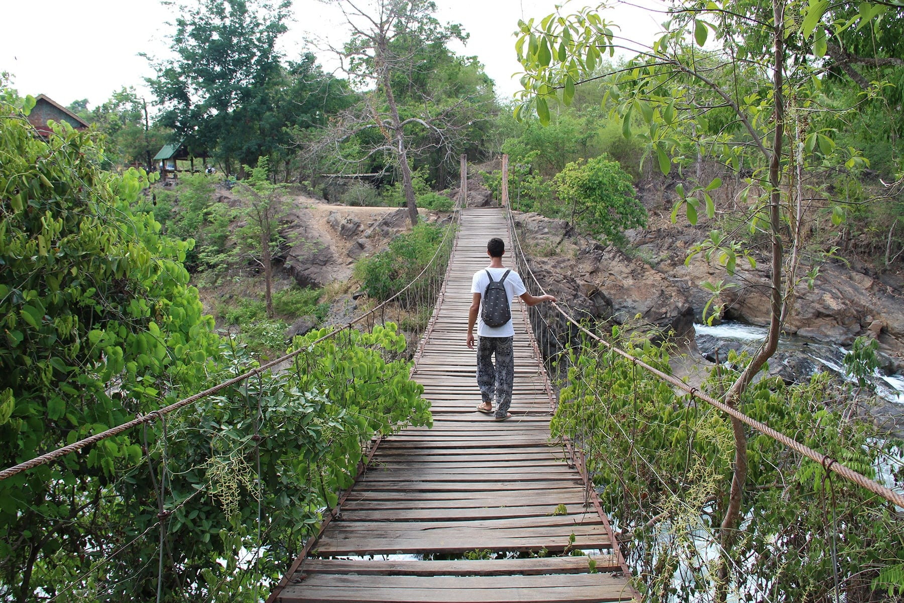 The bridge in Khong Pa Soi falls
