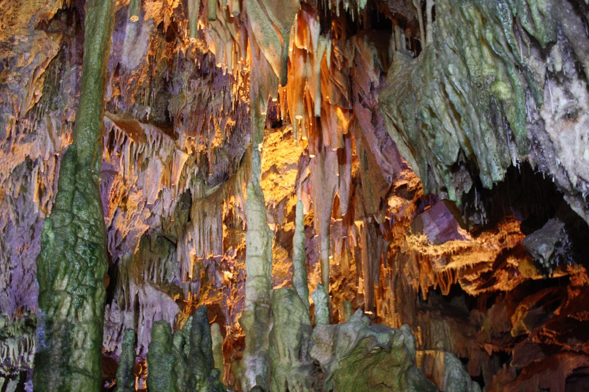 Colourful rocks in Dyros caves