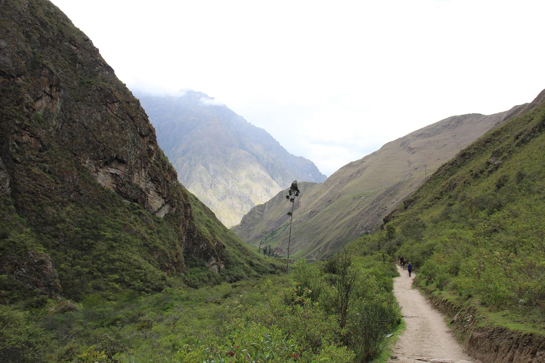 La strada verso l'accampamento, giorno 1, inca trail