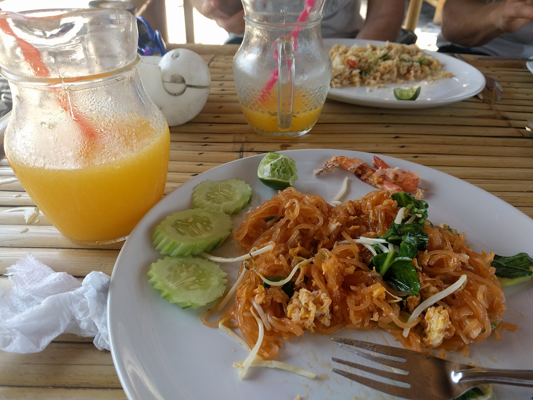 The best pad thai of Koh Yao Yai with a mango smoothie